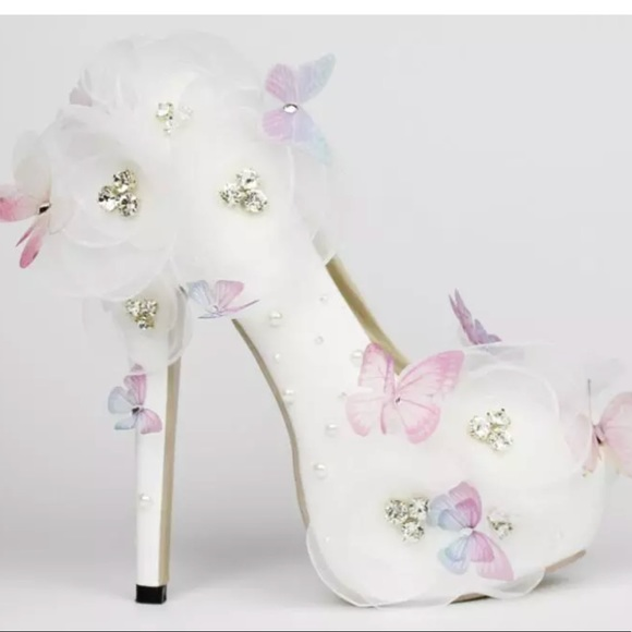 Shoes white pink purple butterfly heels pumps flower nwt poshmark m5a8b7a0afcdc31ee0e7ff39a mightylinksfo
